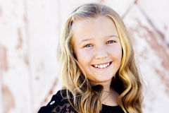 Het leuke portret van het tienermeisje Royalty-vrije Stock Foto's