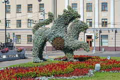 Het leven beeldhouwwerk van Ak-Bars (gevleugelde sneeuwluipaard) in Kazan, Russ Stock Afbeeldingen