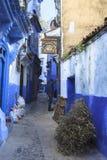 Het leven in Chefchaouen Medina in Marokko royalty-vrije stock afbeeldingen