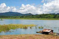 Het leven dichtbij rivieroever in Thailand Stock Afbeeldingen