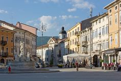 Het leven in Piazza Vittoria in Gorizia Royalty-vrije Stock Afbeelding