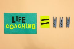 Het Leven van de handschrifttekst het Trainen De conceptenbetekenis verbetert het Leven door Uitdagingen aanmoedigt ons in onze C stock afbeeldingen
