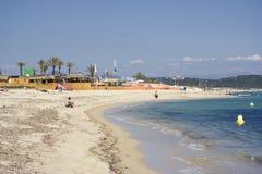 Het leven van het strand in heilige -heilige-tropez Royalty-vrije Stock Foto