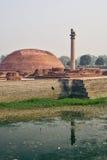 Het leven van India: Pijlers van Ashoka in Vaishali Stock Foto