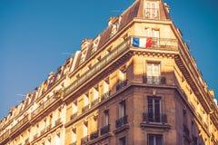Het leven van Parijs flats en vlag royalty-vrije stock foto's