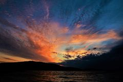 Het leven in het woestijneiland Kornati - de zonsondergang van Kroatië zoals geschilderd royalty-vrije stock fotografie