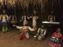 Het leven zoals wasbeeldhouwwerk van volksdansers van Punjab Stock Fotografie