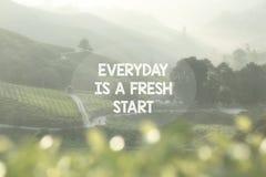 Het levens Inspirational Citaten - elke dag is een nieuwe start royalty-vrije stock afbeeldingen