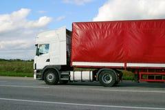 Het leveren van goederen door vrachtwagen Stock Foto's