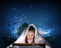 Het lezen vóór slaap Royalty-vrije Stock Foto