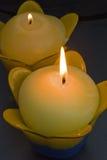 Het licht van de kaars. Stock Foto