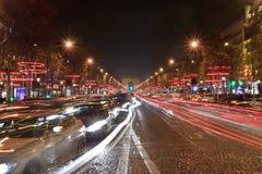 Het licht van Elysees van Champs voor de dag van Kerstmis stock fotografie