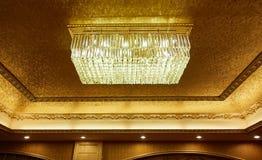 Het licht van het kristalplafond Stock Foto