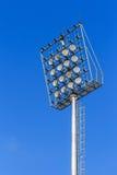 Het licht van het stadion op blauwe hemel Stock Foto