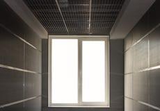 Het licht van het venster op eind van tunnel royalty-vrije stock foto's