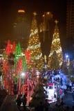 Het licht van kleurrijk verfraait mooi op Kerstboomviering Stock Afbeeldingen