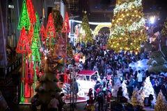 Het licht van kleurrijk verfraait mooi op Kerstboomviering Royalty-vrije Stock Afbeelding