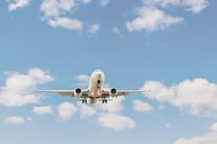 Het lijnvliegtuig landt Stock Fotografie
