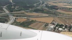Het lijnvliegtuig landt in slechte weersomstandigheden stock video