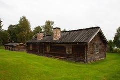 Het logboekhut van de oude landelijke boer Stock Fotografie