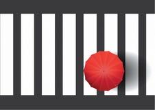 Het lopen alleen op Zebrapad met Rode Parapluillustratie Als achtergrond Stock Afbeelding