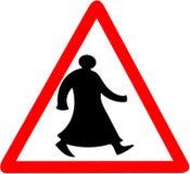 Het lopen de Arabische tiangular geïsoleerde voorzichtigheid van de verkeerstekenwaarschuwing stock foto