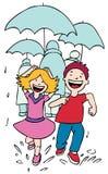 Het lopen in de Regen Royalty-vrije Stock Afbeeldingen