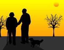 Het lopen in de zonsondergang?. Royalty-vrije Stock Afbeeldingen