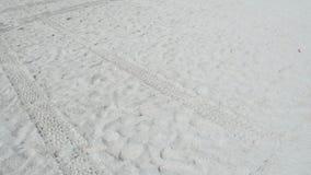 Het lopen in het Zand stock videobeelden