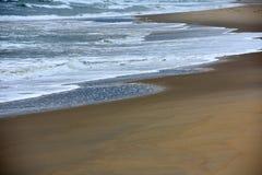 Het lopen langs de kust Royalty-vrije Stock Afbeelding