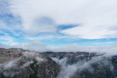 Het lopen met de Wolken Royalty-vrije Stock Foto