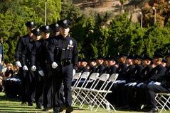 Het lopen om het document te krijgen - LAPD Stock Afbeeldingen