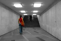 Het lopen in ondergronds Stock Fotografie