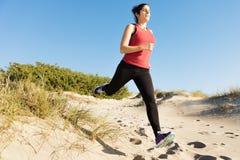 Het lopen op de duinen Stock Fotografie