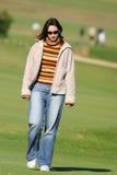 Het lopen op het gras Stock Foto