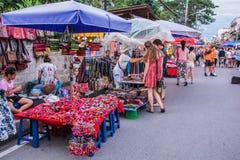 Het lopen straatmarkt Stock Afbeelding