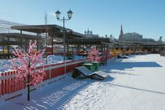 Het lopen streek op Kremlevskaya-Dijk Kazan, Rusland Stock Foto