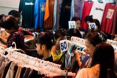 Het lopen van Bangsaen straat Stock Foto's