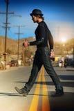 Het lopen van de mens Stock Foto's
