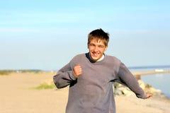 Het lopen van de tiener Stock Foto's