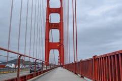 Het lopen van Golden gate bridge stock foto