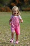 Het lopen van het kind stock afbeelding