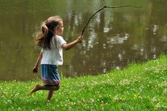 Het Lopen van het meisje Stock Foto's