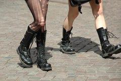 Het lopen van meisjes royalty-vrije stock foto's