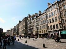 Het lopen van straat in de stad van Glasgow, Schotland Stock Foto's