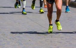 Het lopende ras van de stadsmarathon Stock Afbeeldingen