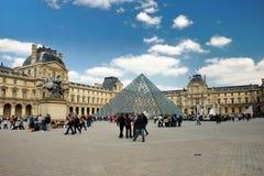Het Louvre in Parijs Stock Foto