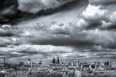 Het lucht brede panorama van Moskou: Stad, hightowers van Stalin, wolkenkrabber royalty-vrije stock foto's