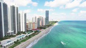 Het luchtstrand menings Noord- van Miami stock footage