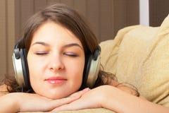 Het luisteren Muziek Royalty-vrije Stock Foto's